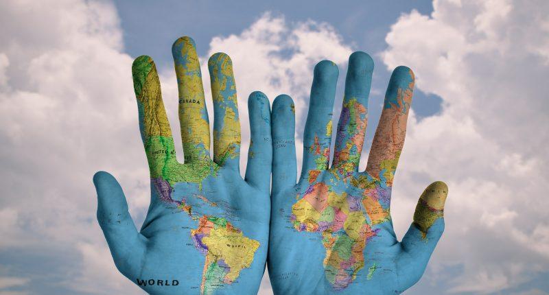 hands-600497_1920-pixabay