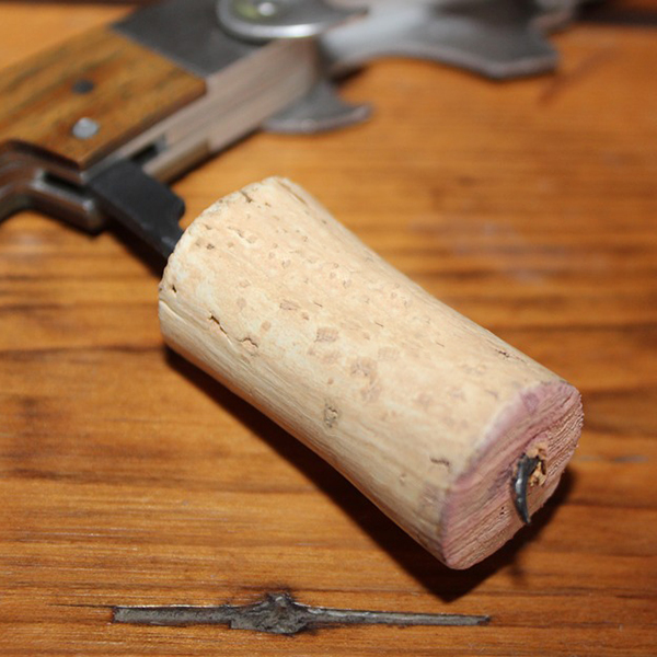 Marché: Achat de bouchons pour Château Luchey – Halde